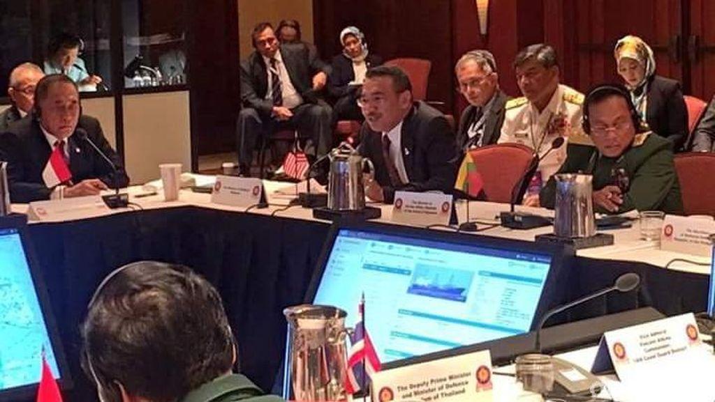 Bertemu Menhan Malaysia dan Filipina, Ryamizard Bahas Keamanan Laut Sulu