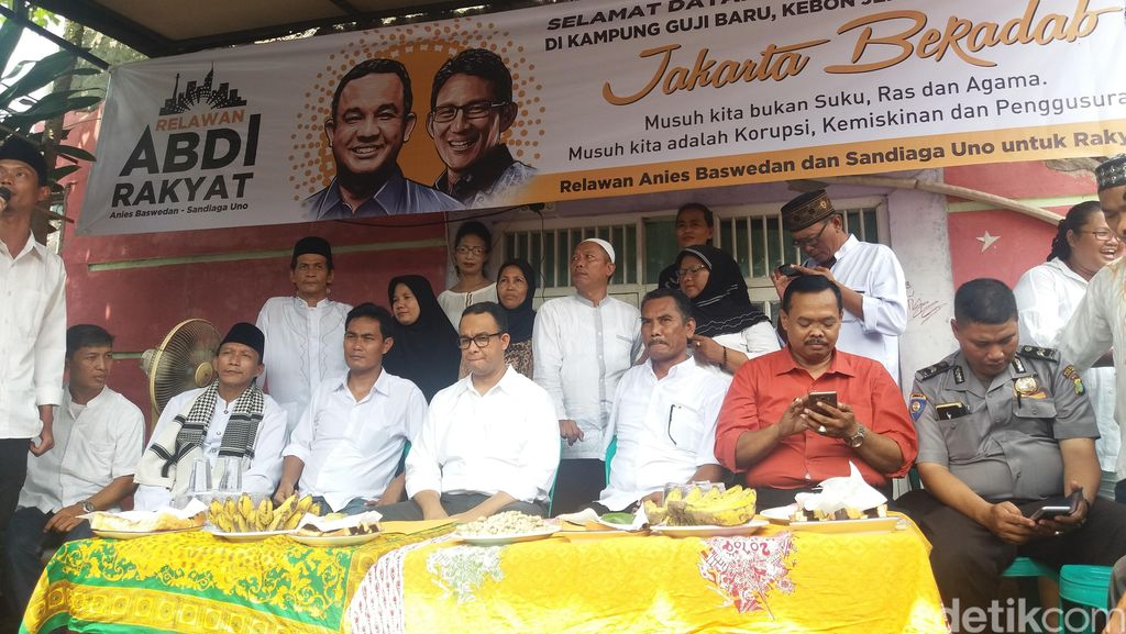 Anies Teken Kontrak Politik Jakarta Beradab dengan Warga Guji Baru Jakbar