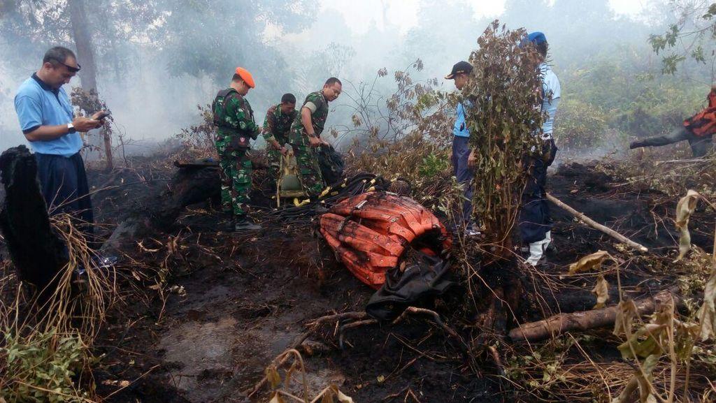 Angin Kencang, Heli Terpaksa Lepas Kantong Air Raksasa saat Water Bombing