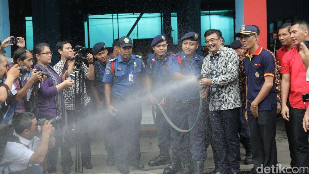 Wagub Djarot Cek Kesiapan Petugas Pemadam Kebakaran
