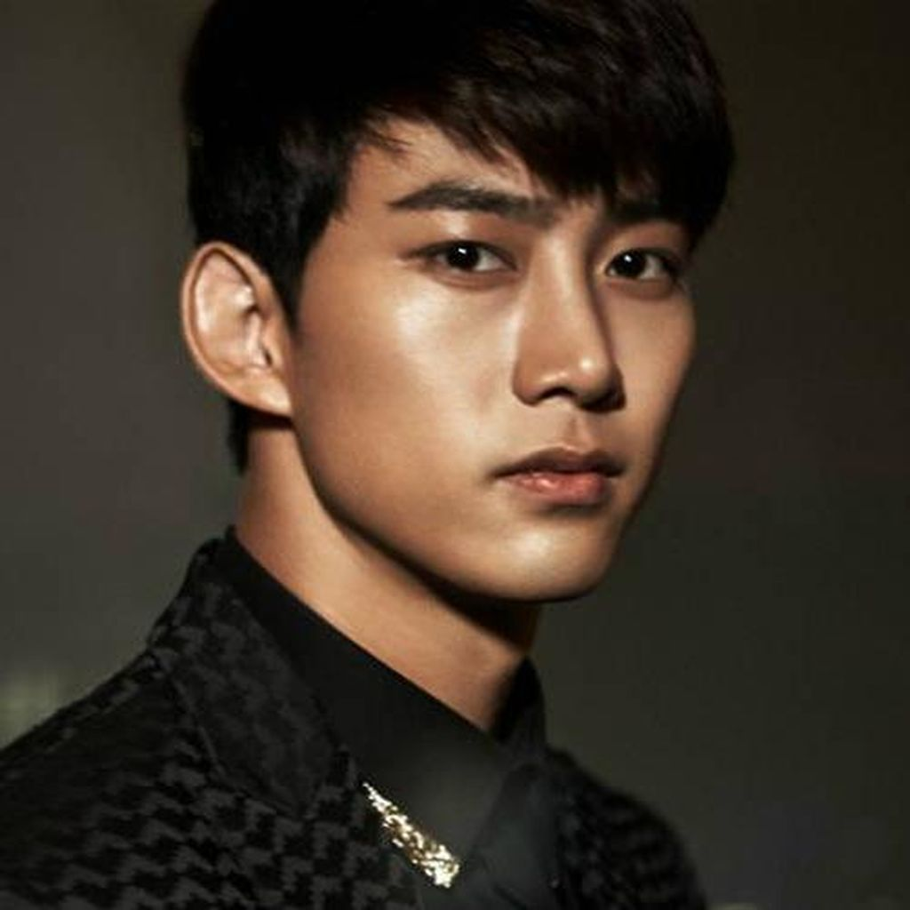 Taecyeon Debut Layar Lebar Thriller Lewat House on Top of Time