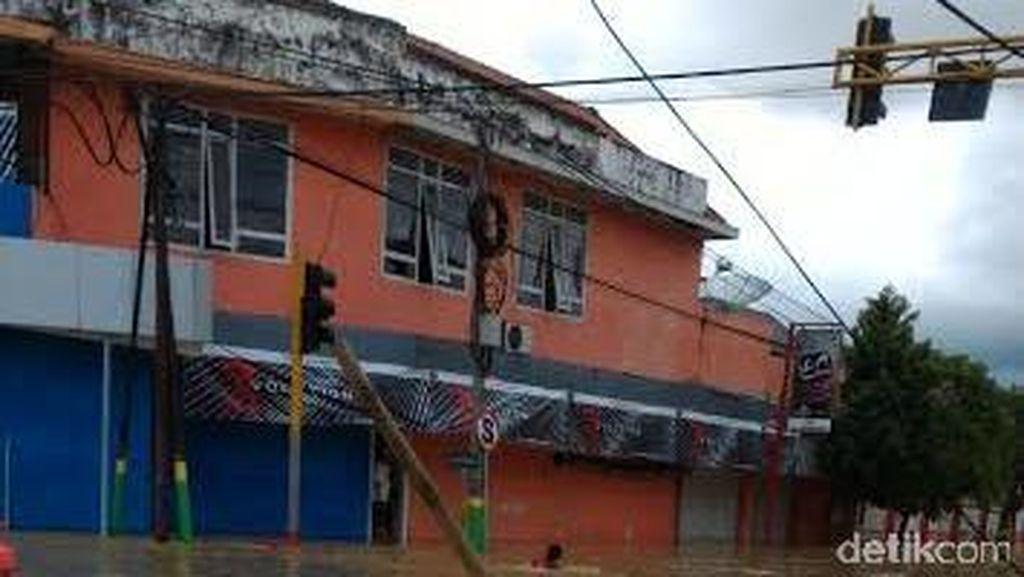 Banjir di Sampang, Sebagian Warga Mulai Mengungsi di Rumah Kerabat