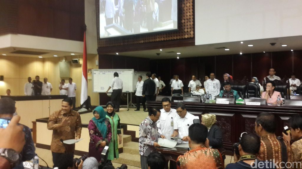 Paripurna DPD, 12 Kandidat Daftarkan Diri Gantikan Irman Gusman