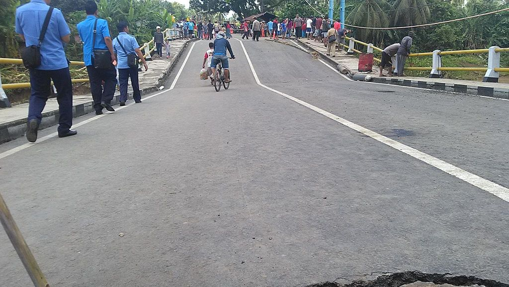 Jembatan Ambles di Putrapinggan, Bus Tujuan Pangandaran dari Bandung Tetap Beroperasi