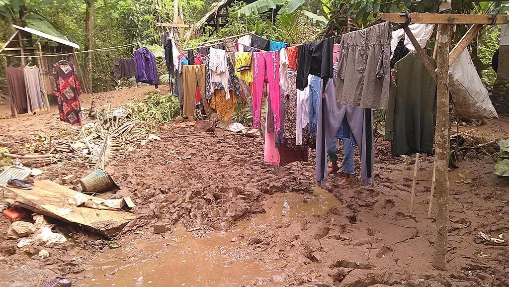 Tiba-tiba Air Naik, Warga Pangandaran Panik dan Berhamburan Keluar Rumah