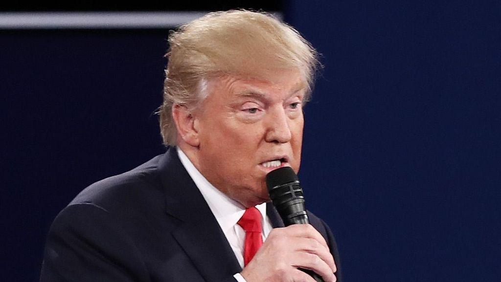 Donald Trump Sebut Dunia Membenci Amerika dan Obama