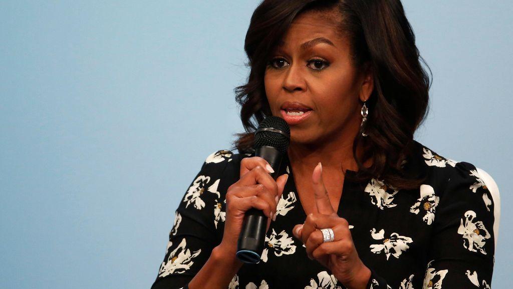 Suara Keras Michelle Obama untuk Donald Trump