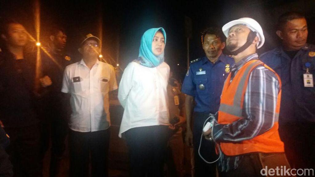 Airin Pantau Langsung Perobohan Gedung Bank Panin di Bintaro