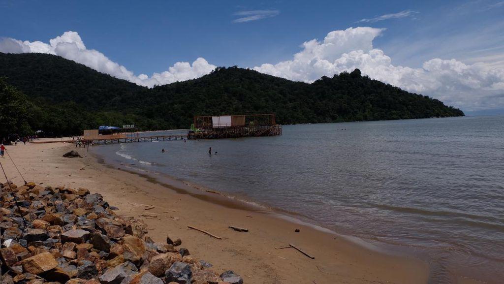 Melihat Pantai Pulau Datok, Lokasi Sail Karimata yang Didatangi Jokowi