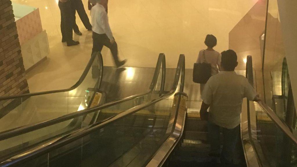 Jari Tangan Bocah 3,5 Tahun Terjepit Eskalator di Mal Jaksel