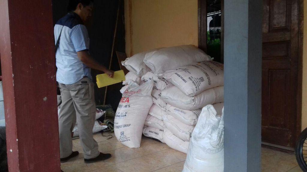 Polisi Ungkap Peredaran Pupuk Bersubsidi Ilegal di Pondok Aren