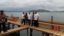 Cekrek! Rini Selfie Bareng Bos-bos Pertamina di Danau Sentani
