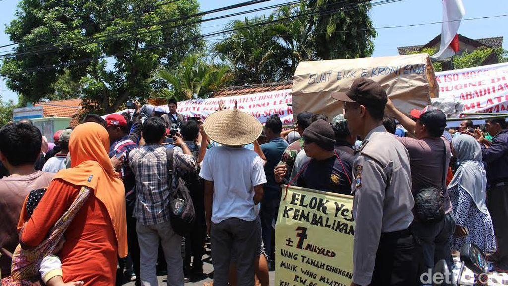 Warga Sidokepung Tuntut Transparansi Penjualan Tanah