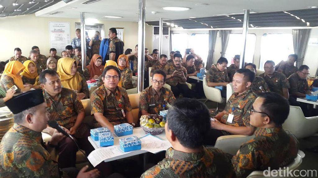Bupati Anas Ajak Seluruh Kepala Dinas dan Camat Rapat di Atas Selat Bali
