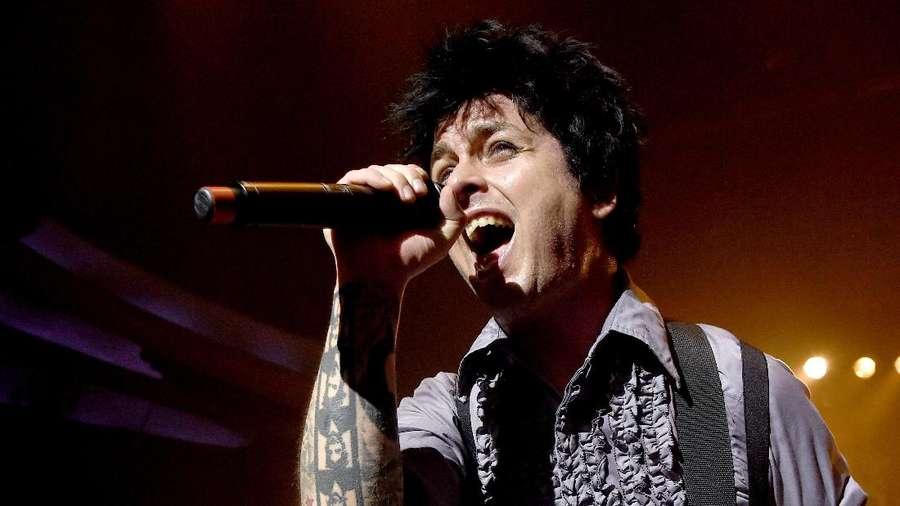 Total 6 Video Lirik Dirilis Green Day untuk Revolution Radio