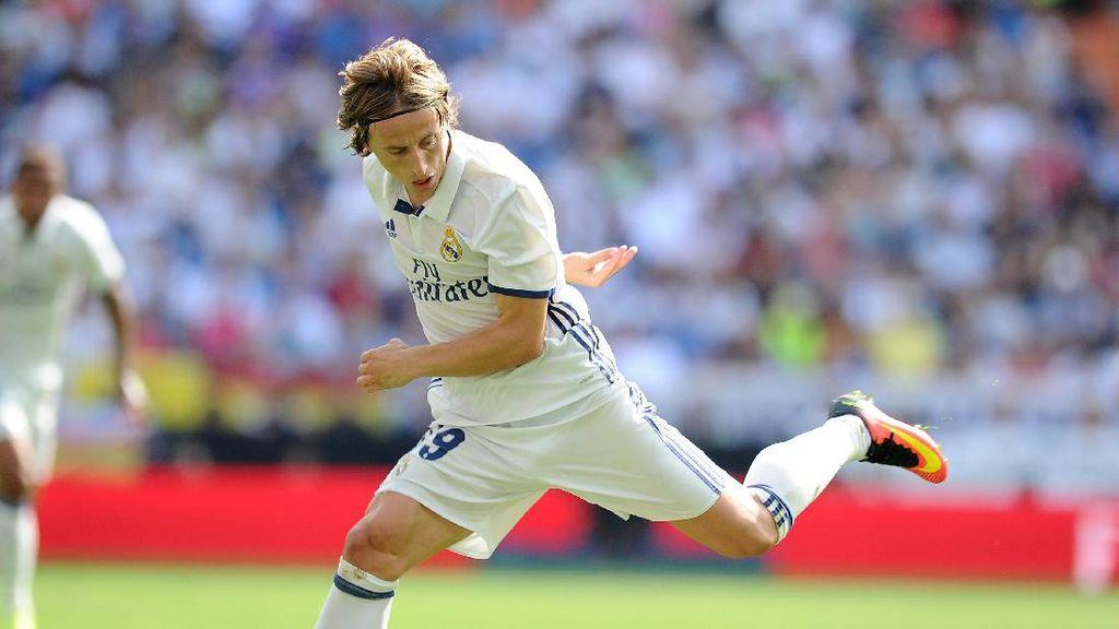 Bagi Giggs, Modric Penerus Paling Pas untuk Scholes