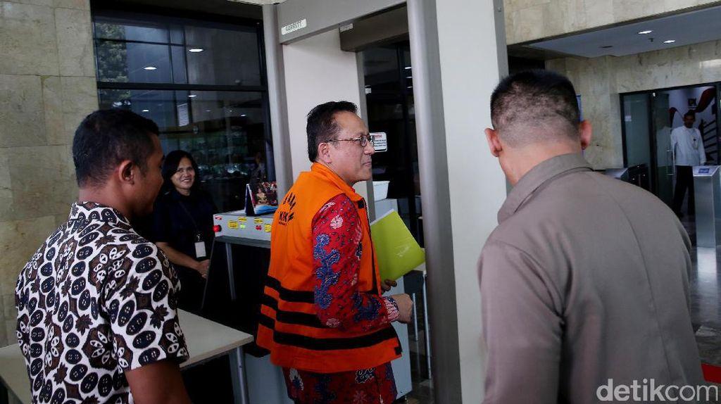 Tertangkap Basah Terima Suap, Eks Ketua DPD Irman Gusman Melawan KPK
