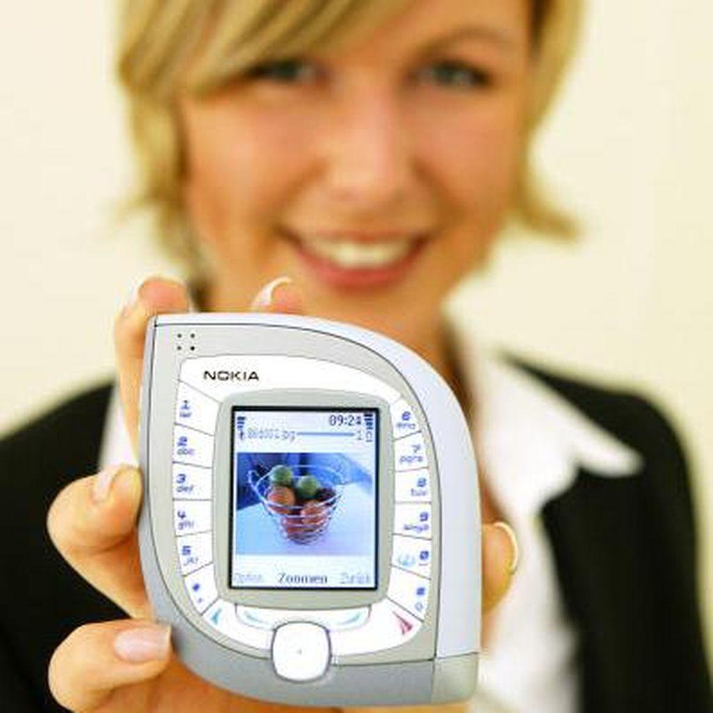 Lucu & Uniknya Ponsel Nokia Zaman Dulu