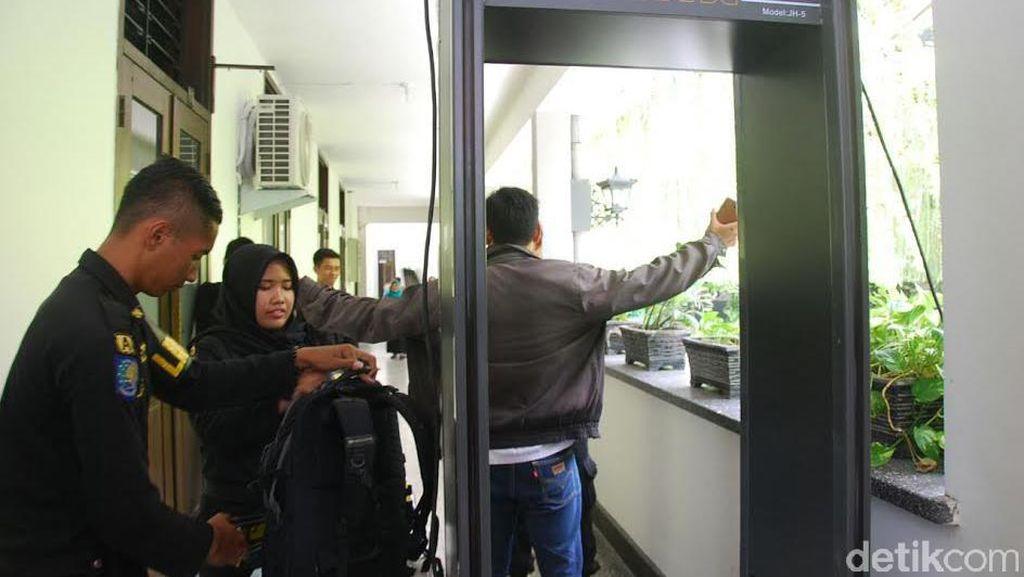 Pengamanan di Balai Kota dan Rumah Dinas Wali Kota Surabaya Diperketat