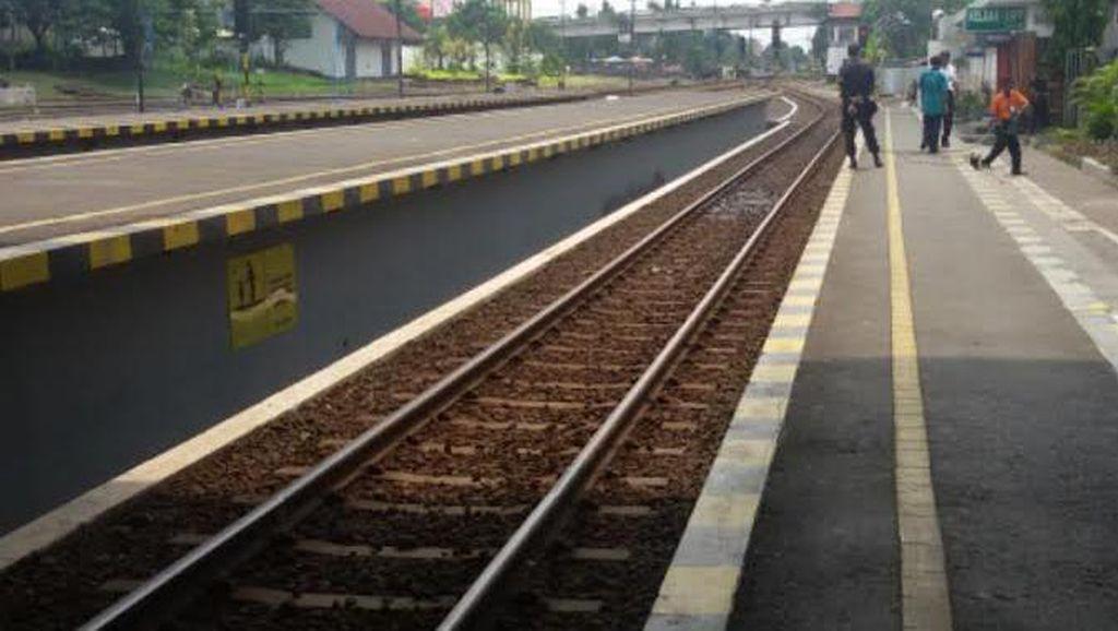 Turis Perempuan Tewas Tertabrak KA di Stasiun Lempuyangan Diduga Bunuh Diri