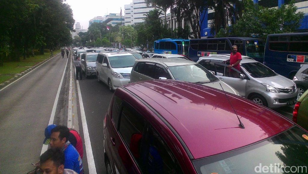 Begini Kemacetan di Jl Merdeka Barat dan Utara, Lalin Menuju Harmoni Dialihkan