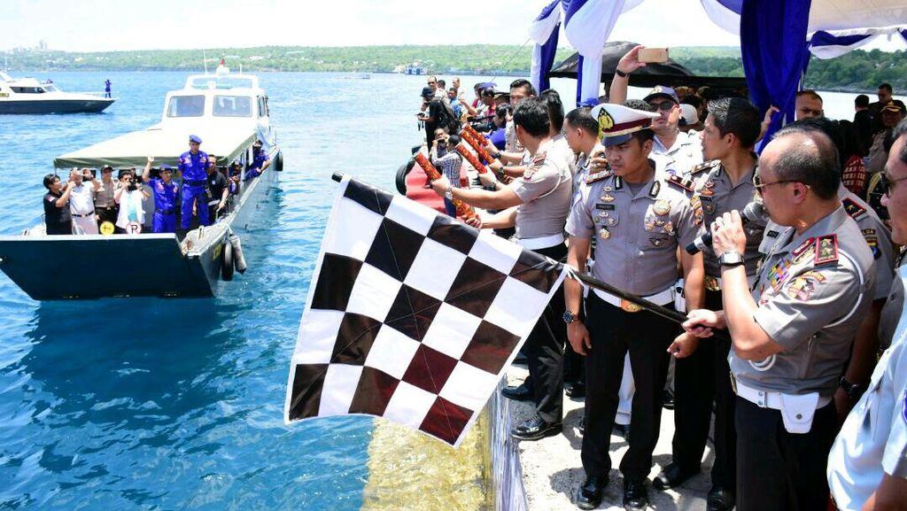 Kunjungi NTT, Kakorlantas Resmikan Satpas Apung Pertama di Indonesia