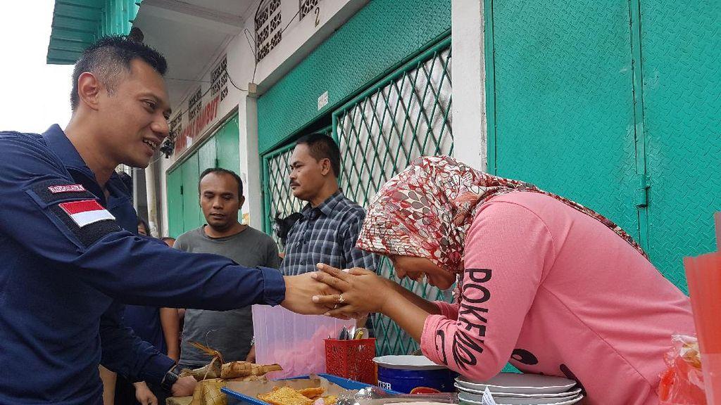 Ibu-ibu Johar Baru ke Agus Yudhoyono: Mau Jadi Mantu Saya?