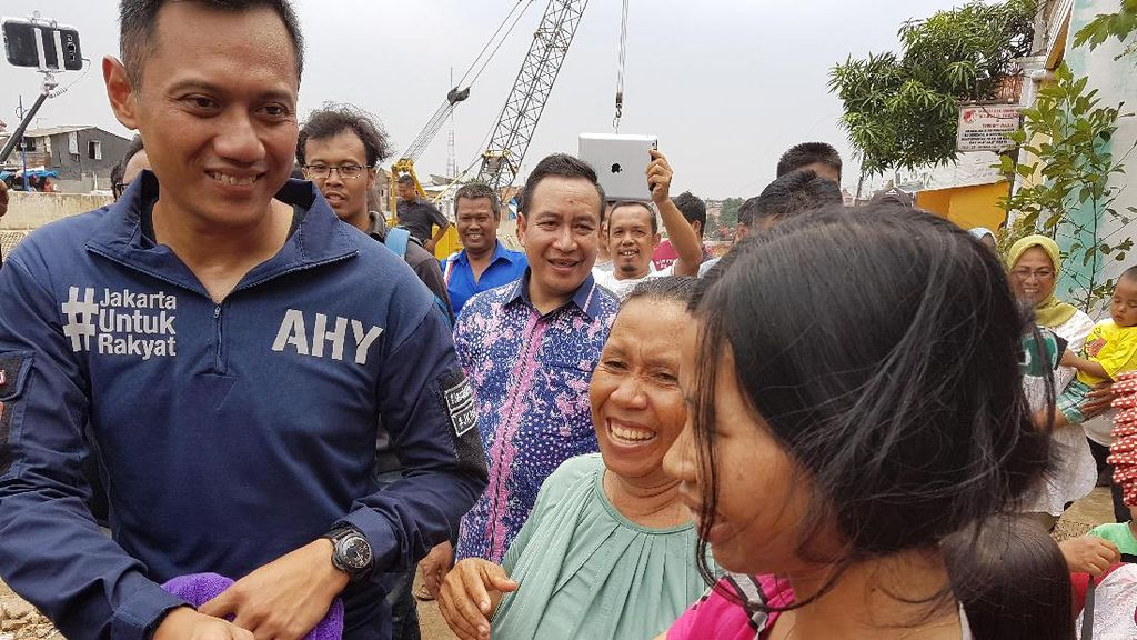 Djarot Hadiri Acara Bagi-bagi Kacamata, Ini Kata Agus Yudhoyono