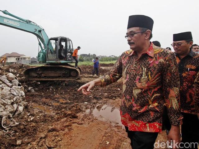 Djarot Tinjau Pembangunan Waduk Rawa Minyak