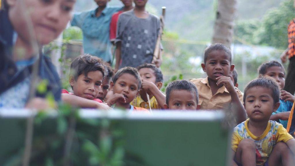 Kisah Guru Honorer Perjuangkan Nasib Pendidikan Suku Kaili Unde