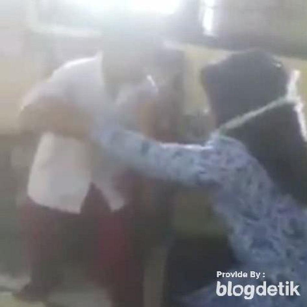 Heboh Video Anak SD Berani Lawan dan Bentak Gurunya!