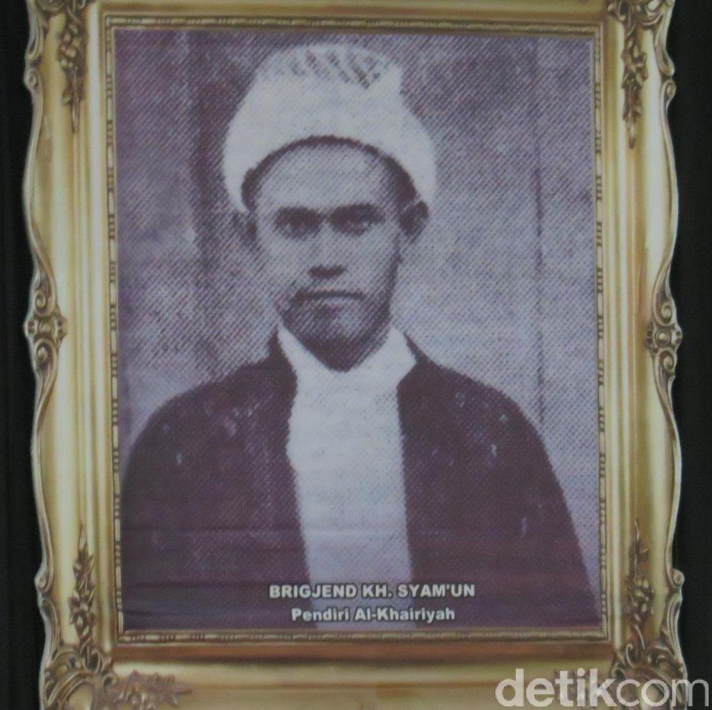Al Khairiyah Minta Jokowi Jadikan Brigjen KH Syamun Pahlawan Nasional