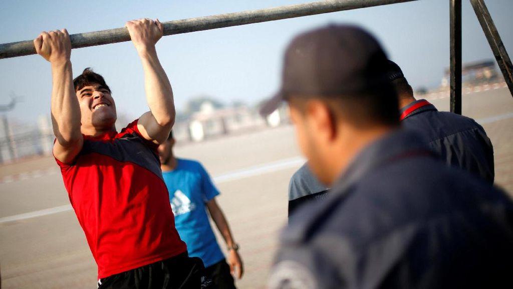 Polisi Hamas Rekrut Anggota