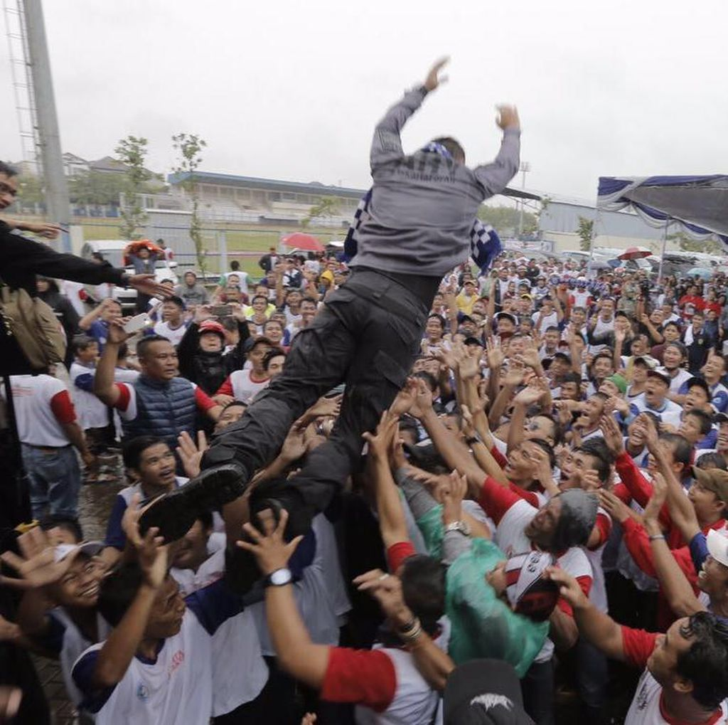 Alasan Agus Yudhoyono Lompat Moshing: Hilangkan Jarak Pemimpin dan Warga