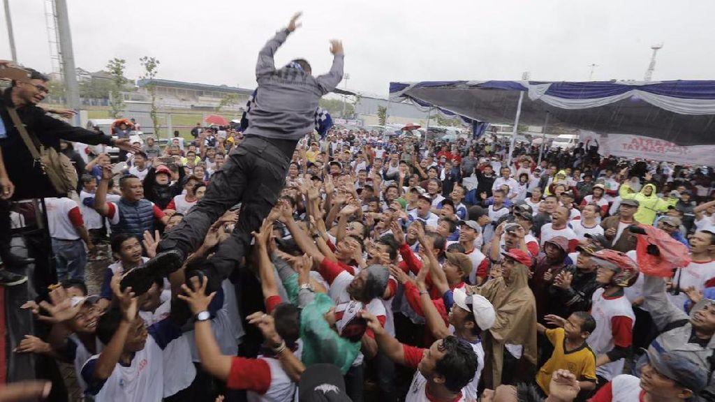 Aksi Nyentrik Agus Yudhoyono: Lompat Moshing hingga Goyang Maumere