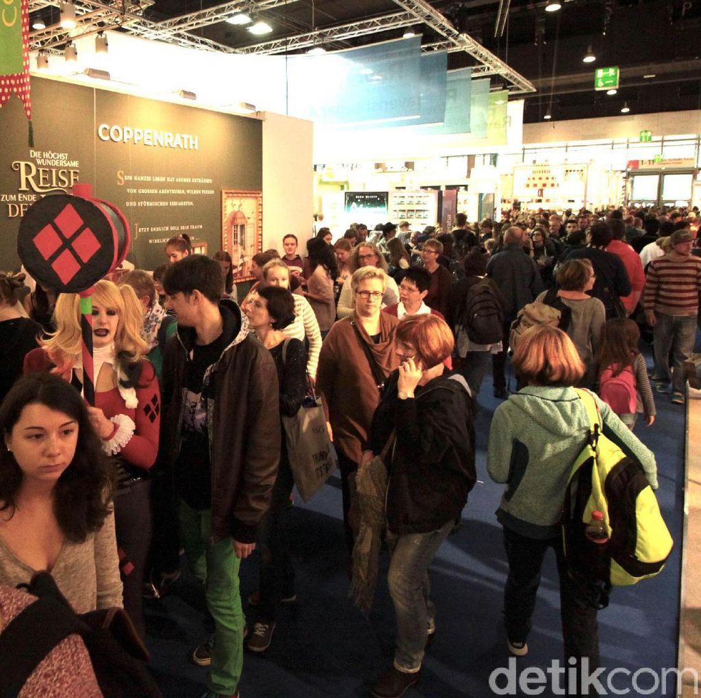 Atraktifnya ABG Jerman Banjiri Frankfurt Book Fair 2016