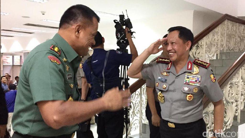 Kapolri dan Panglima TNI Siagakan Pasukan Amankan Pilkada 2017