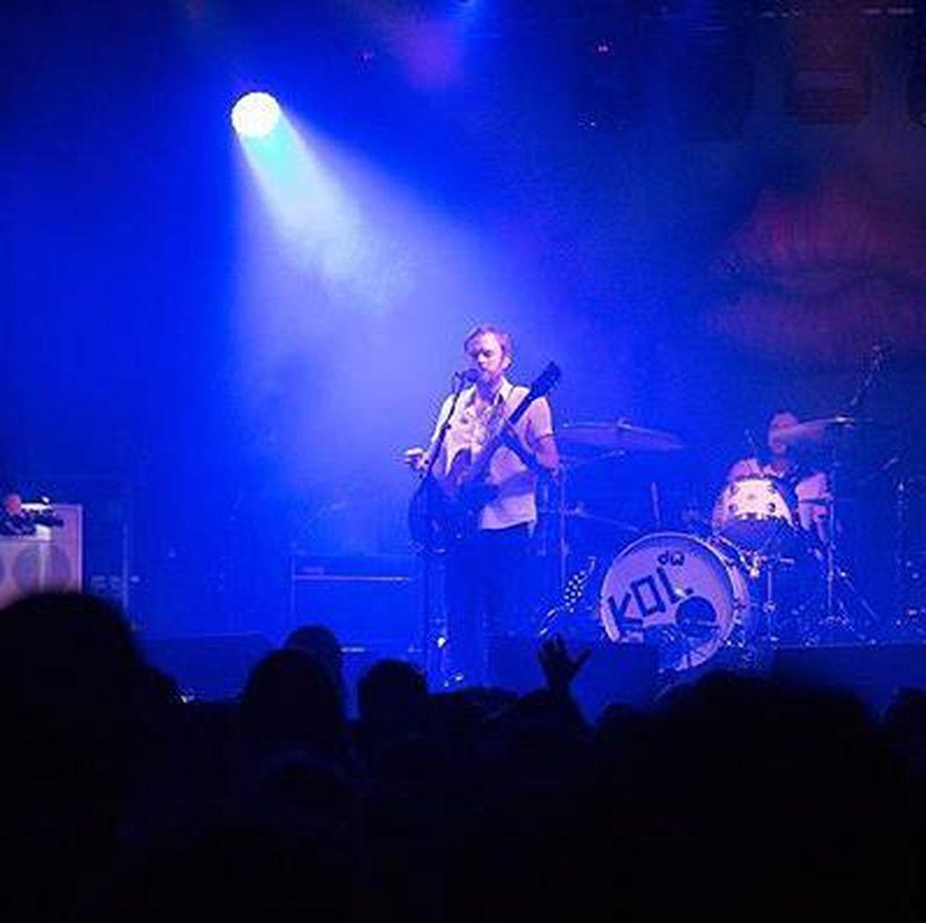 Album WALLS Kings of Leon Rajai Tangga Lagu Inggris dan Amerika