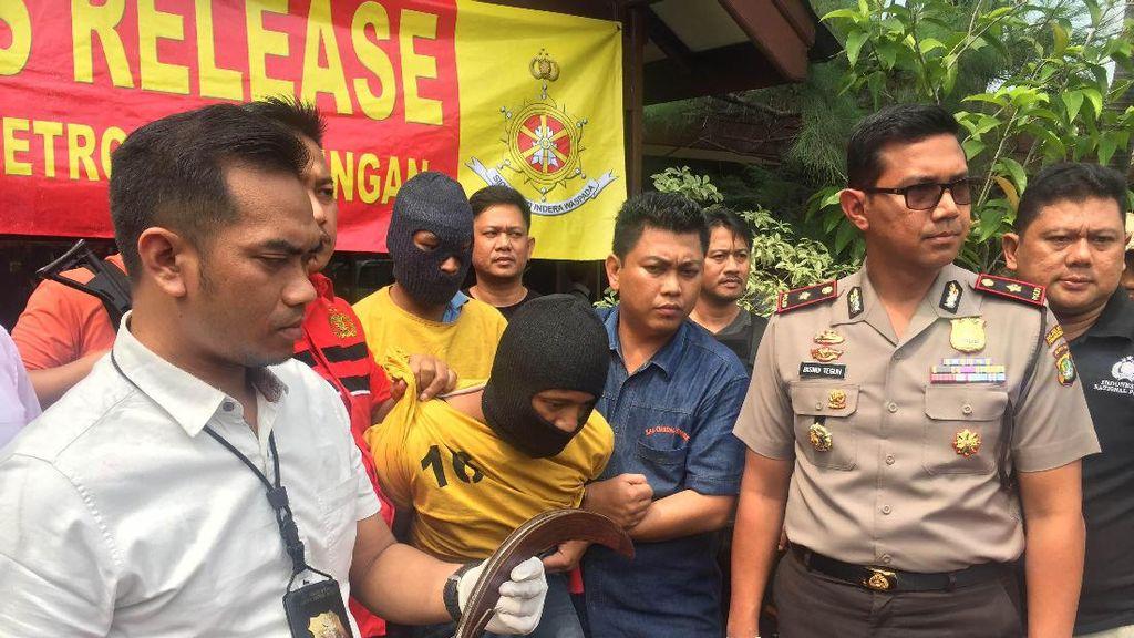 Polisi Tembak Perampok yang Bacok Pemilik Toko HP di Teluk Gong