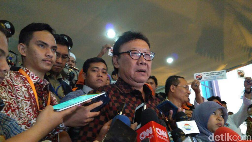 Mendagri Surati 17 Gubernur Termasuk DKI Agar UMP Disesuikan