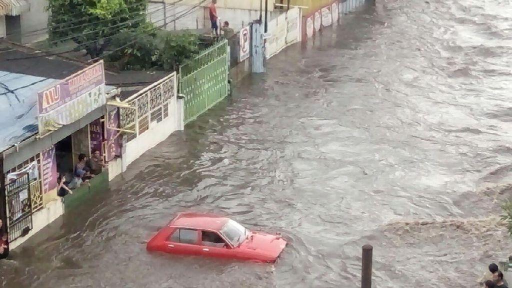 Hujan Besar Datang Saat Sungai Citepus Belum Dikeruk, Bandung Banjir Parah