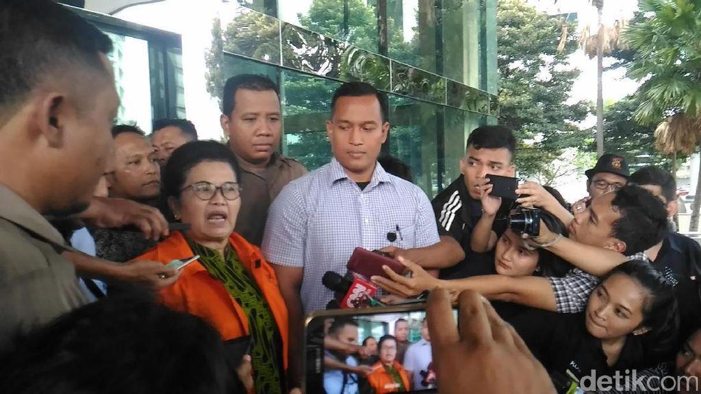 Eks Menkes Siti Fadilah: Cuma Ditanya Kenal ini atau Enggak kok Ditahan?