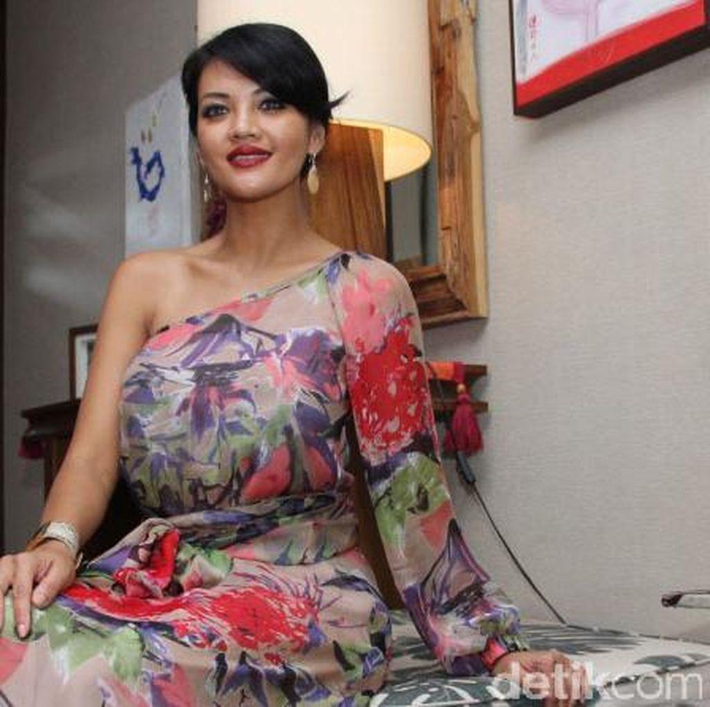 Farah Quinn Cantik Berbunga
