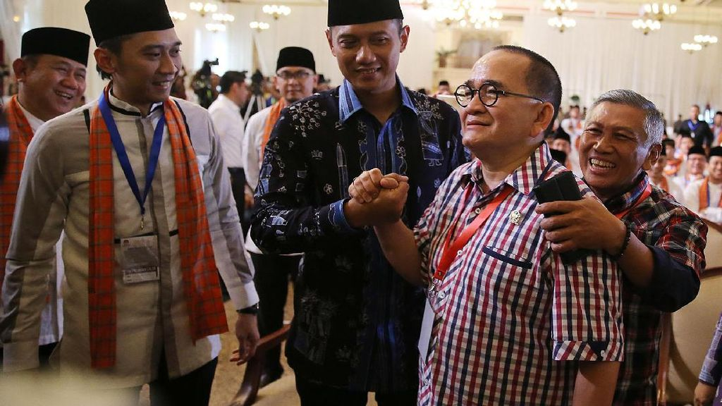 Salam Komando dengan Agus Yudhoyono, Ruhut Sitompul Disoraki: Huuu!