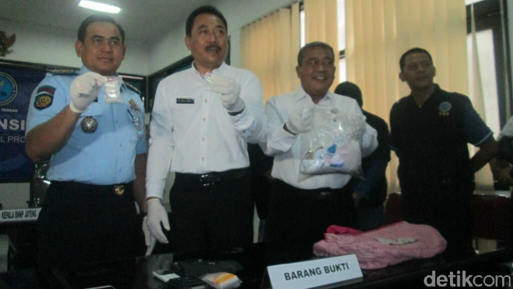 Oknum Sipir yang Ditangkap BNNP Jateng Sudah 3 Kali Selundupkan Sabu ke Lapas