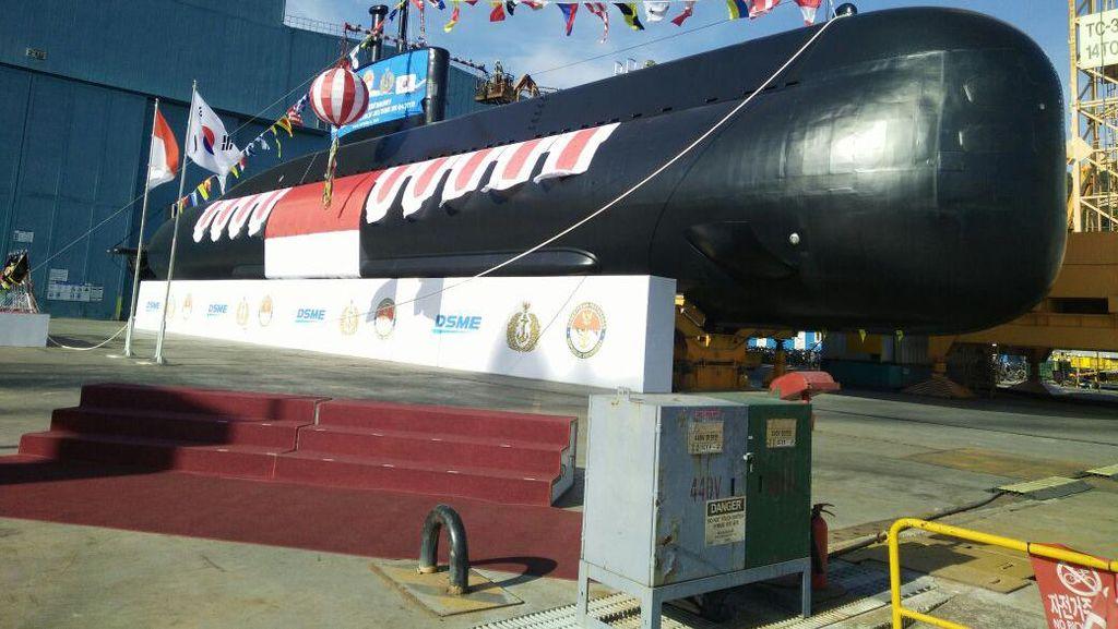Kapal Selam Diesel Pesanan TNI AL Diluncurkan dari Korsel