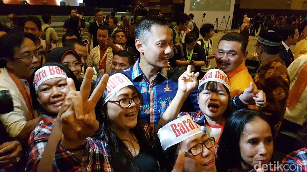Saat Agus Yudhoyono dan Sylviana Disalami Pendukung Ahok-Djarot
