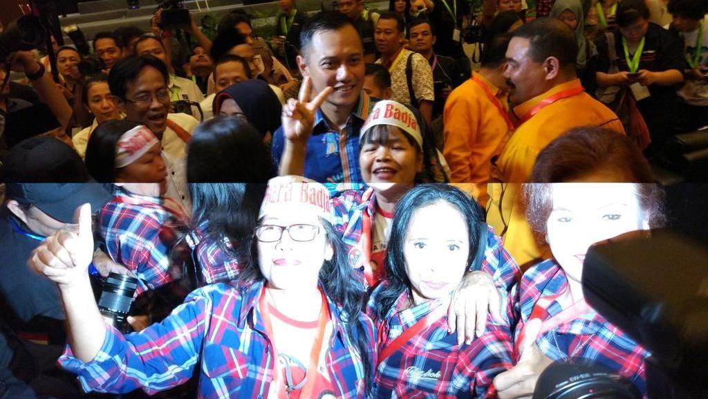 Lulung Unggah Foto, Sebut Pendukung Ahok Ngefans ke Agus Yudhoyono