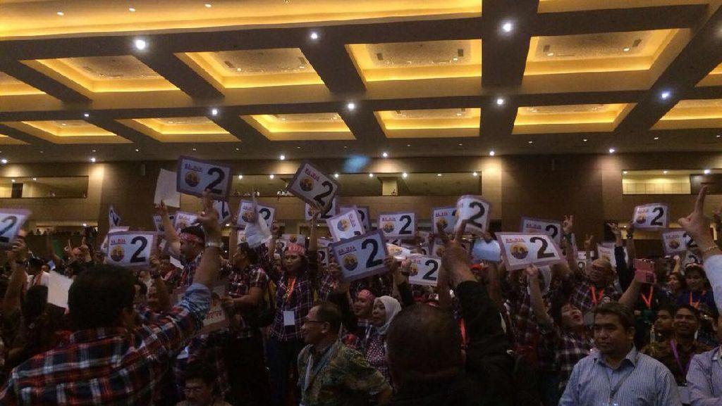 Gunakan Slogan Salam Dua Jari, Akankah Ahok Ikuti Sukses Jokowi?