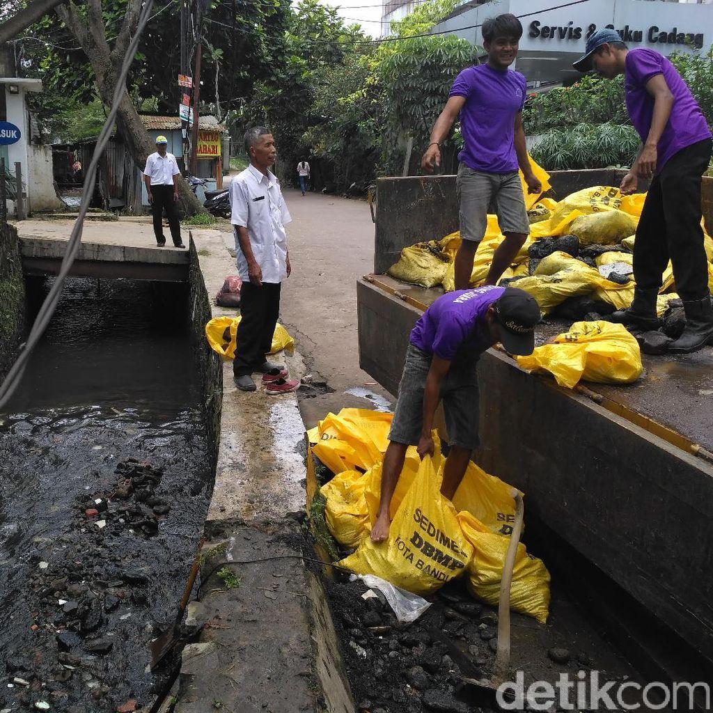 Sungai Cianting Dikeruk untuk Antisipasi Luapan Air di Kawasan Pasteur